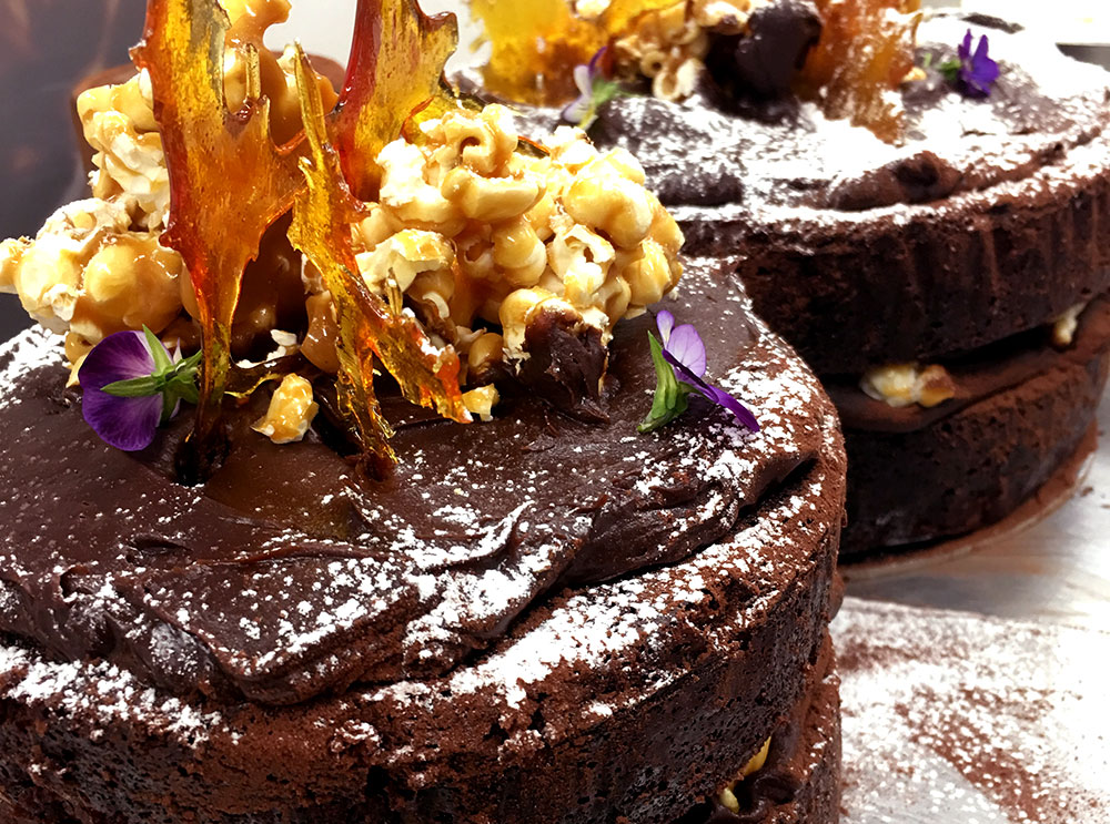 Delicious Chocolate and caramel popcorn cake